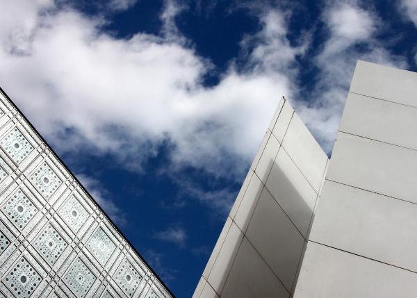 paris graphisme institut-monde-arabe ciel nuage
