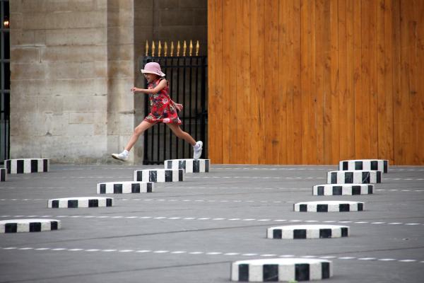 paris enfance colonnes-buren
