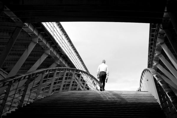 paris graphisme escalier noir-blanc