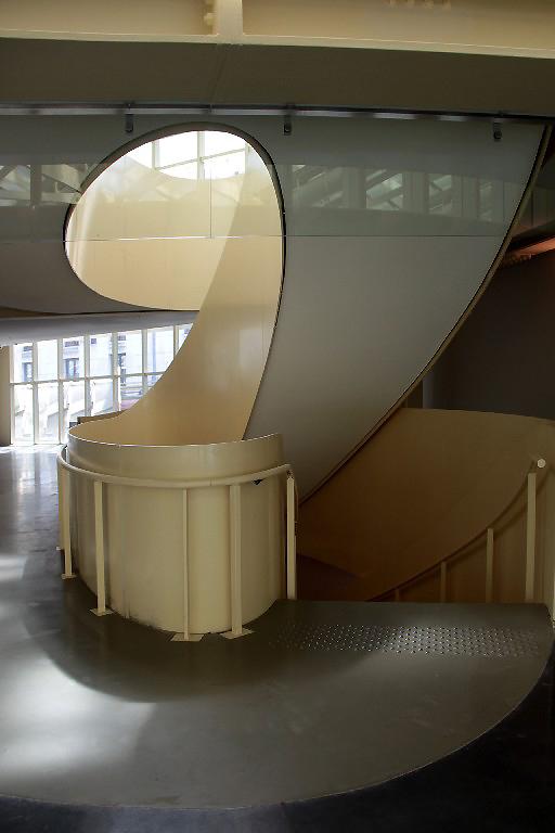 paris canopée graphisme escalier