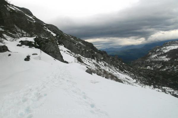 Caminando en dirección al Alto de la Posadía