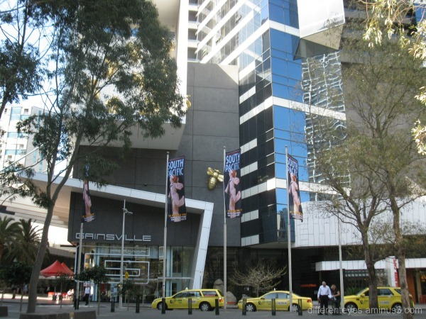 Melbourne street view of Eureka Tower