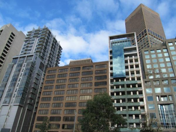 Melbourne skyscrapers in Autumn