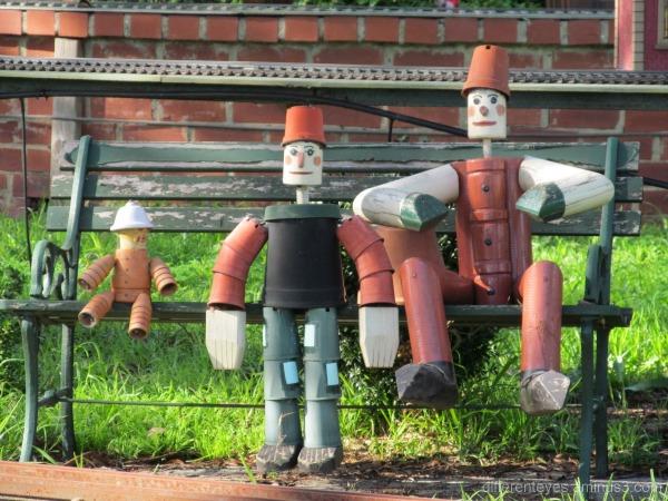 Moorabbin model steam railway figures