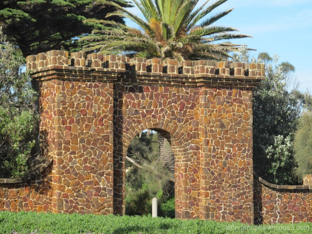 Winter view of Mornington's park entrance