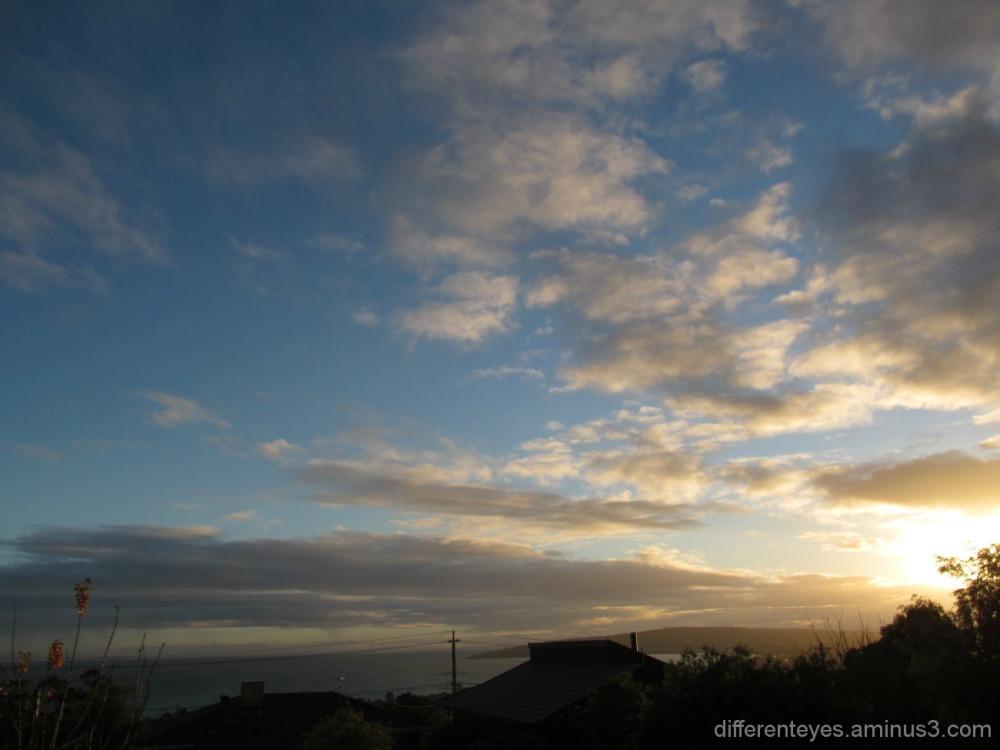 winter morning skies in Dromana