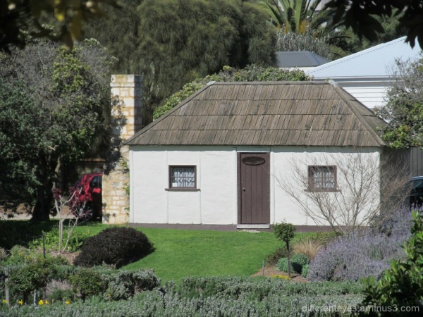 colonial Watts Cottage at Sorrento