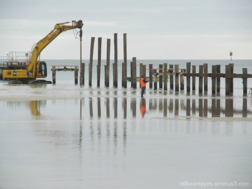 construction of Rosebud pier