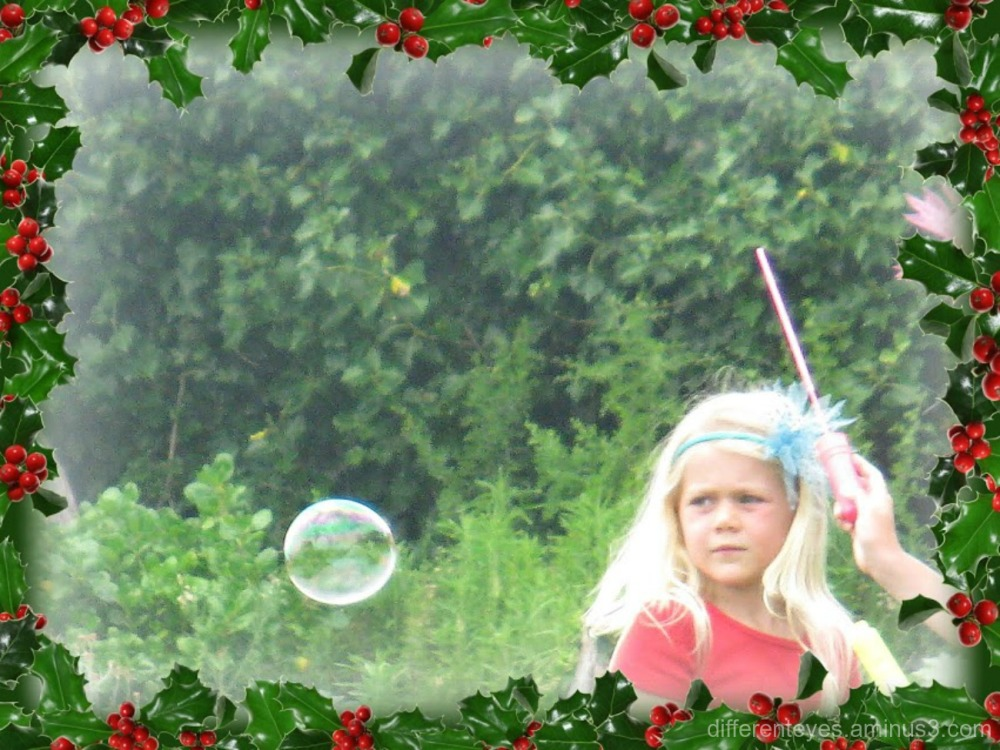 child, a bubble and Christmas at Portsea Hotel