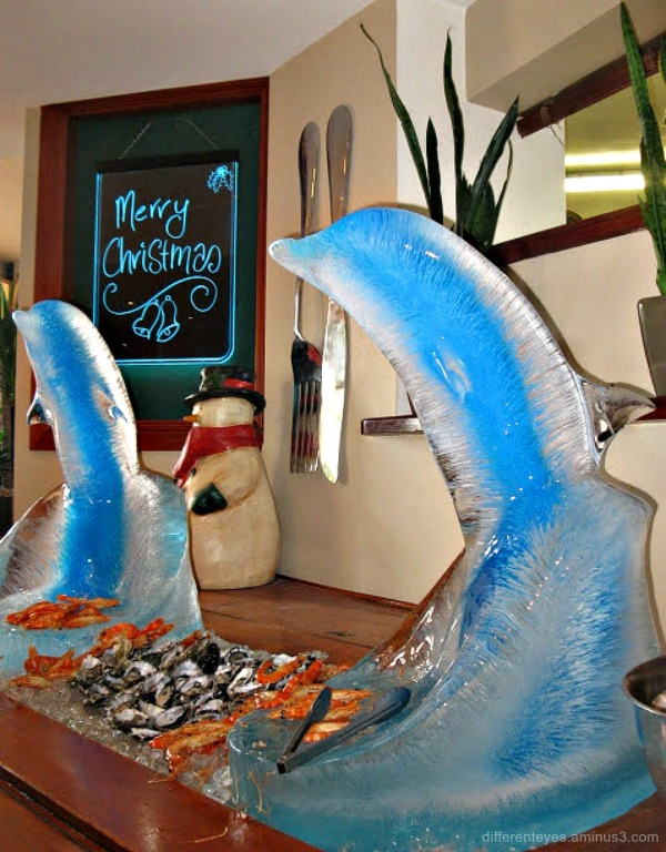 Christmas ice sculptures at Portsea Hotel
