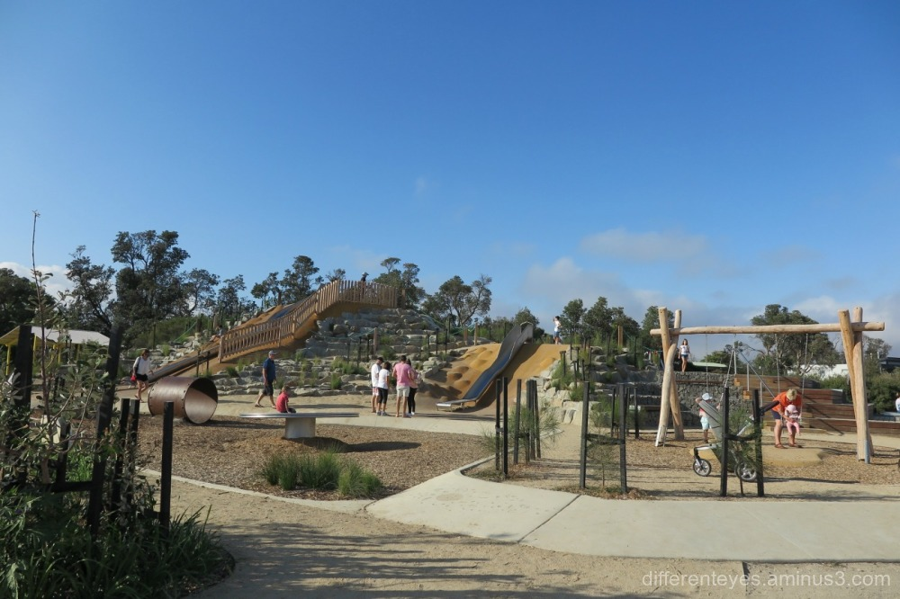 Rosebud foreshore's new plaground