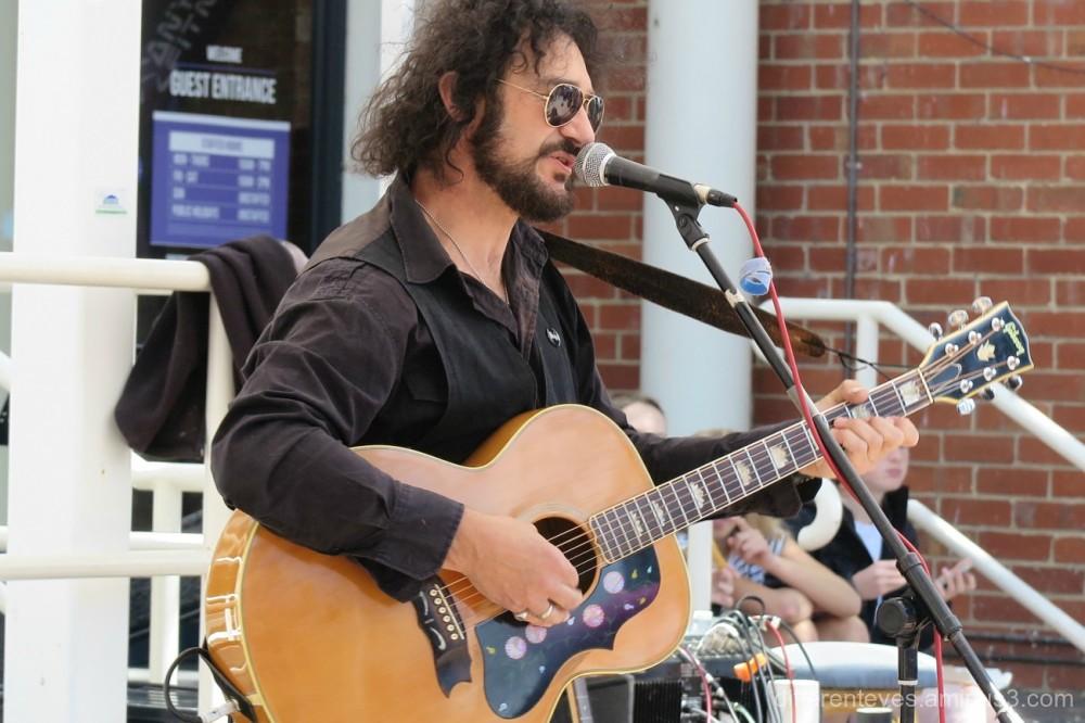 Ron Vincent sings Cat Stevens at Mornington