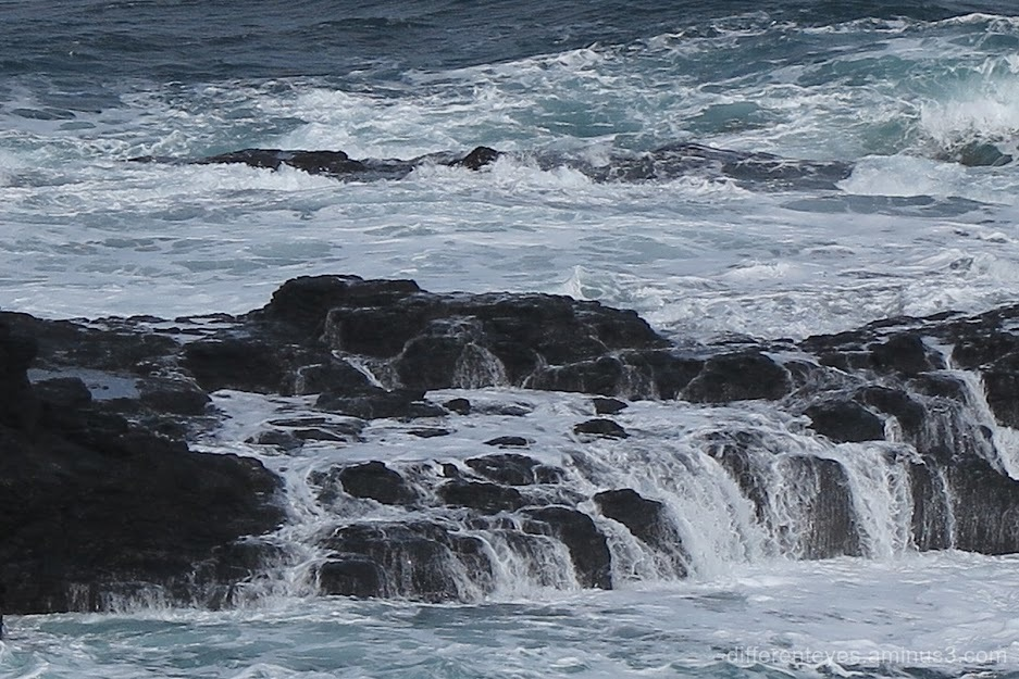 churning waters at Flinders Back Beach