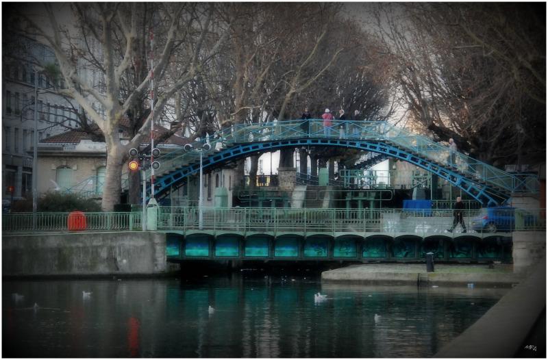 pont  sur le canal St Martin - Paris