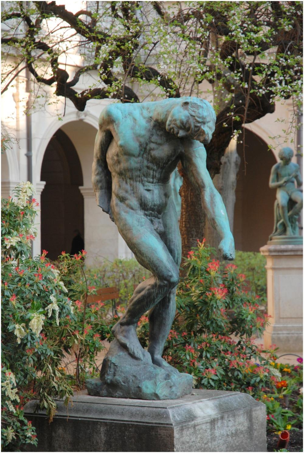 Cloître , beaux arts Lyon, Sculpture Rodin 1902