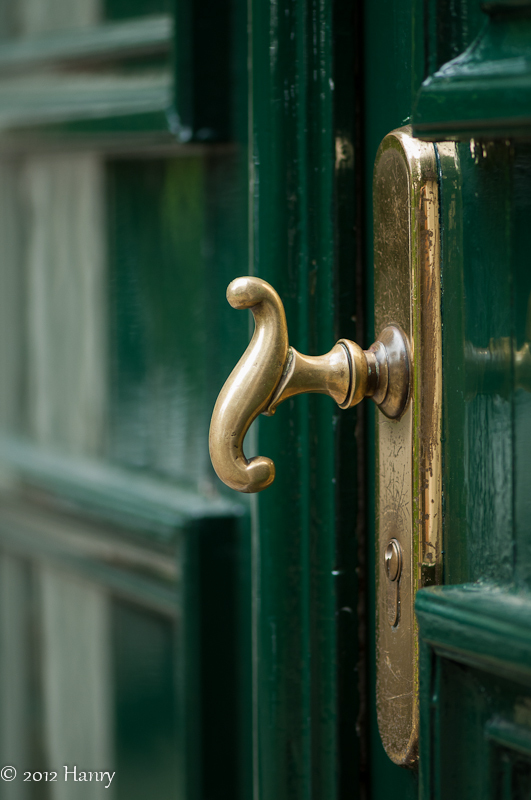 brass door koper messing deur groen green