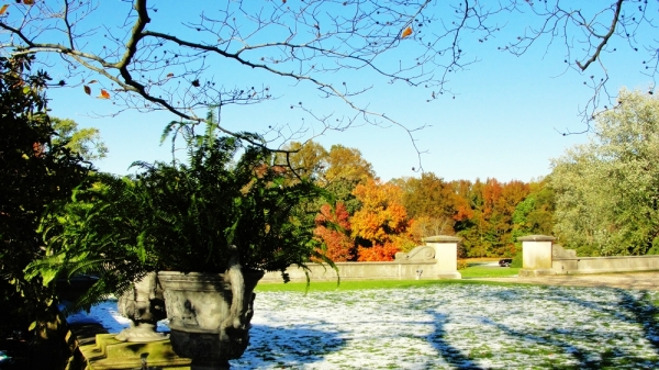 First snow in the Old Westbury Gardens