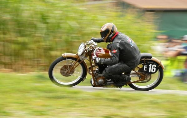 Motosacoche im Rennen