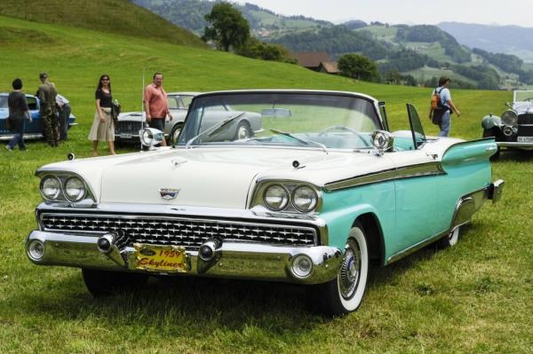 Ford Fairlaine Skyliner 1959