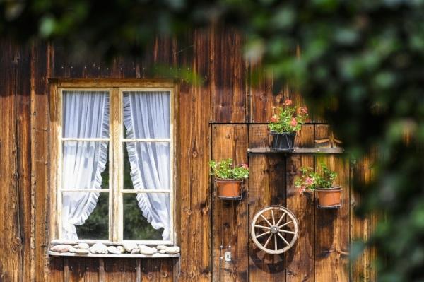 Fenster einer Pension im Zuercher Oberland