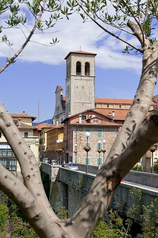 Bei der Brücke in Cividale im Friaul