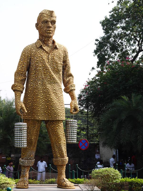 Dabbawala Statue, Haji Ali, Mumbai, India