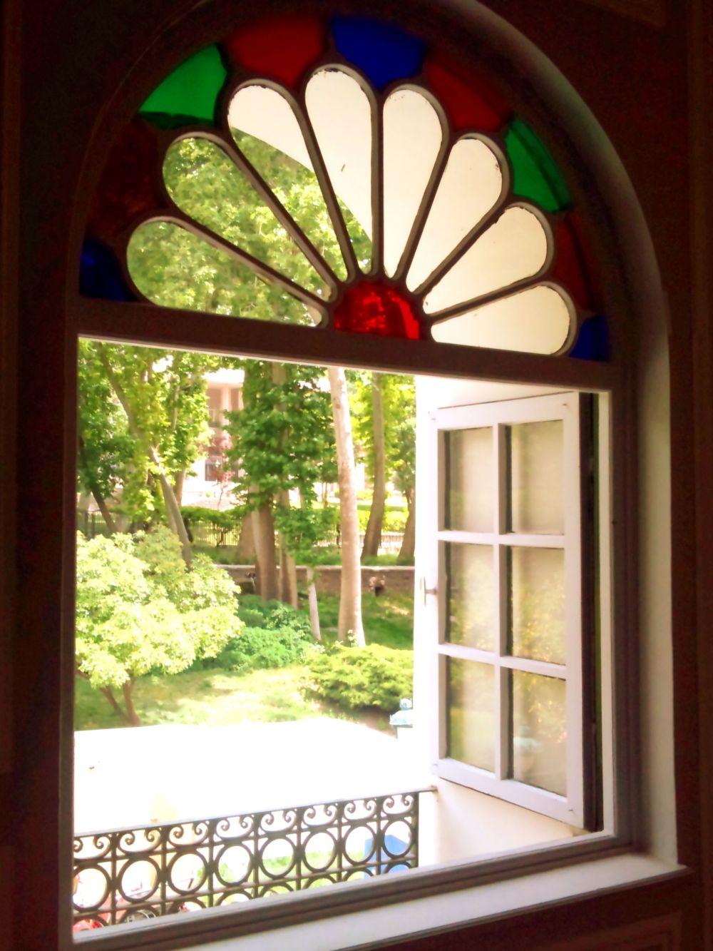 Open the window, watch the beauty