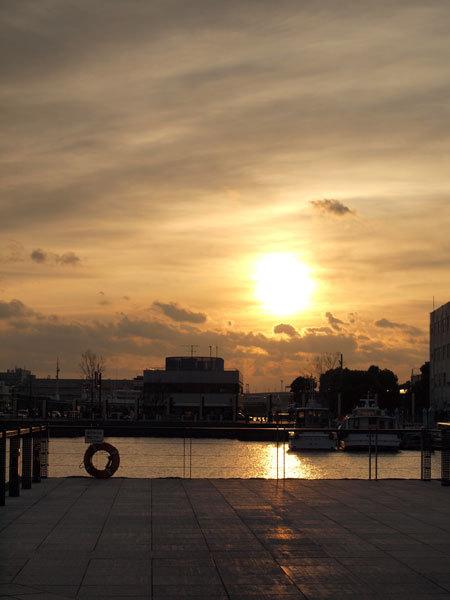 Sunrise on New Year's Day 2012(ZOUNOHANA-PARK)