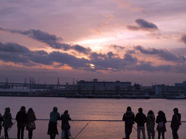 Sunrise on New Year's Day 2012 (OSANBASHI)