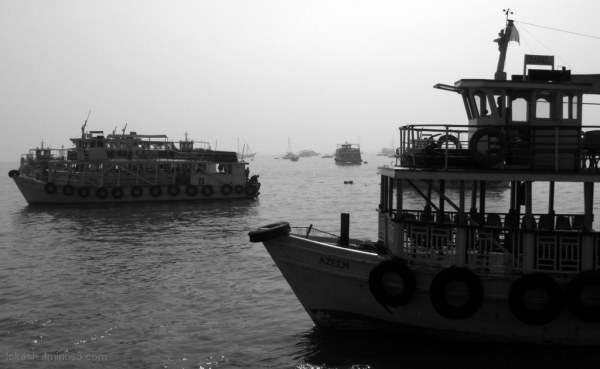 Ships to Elephanta Caves
