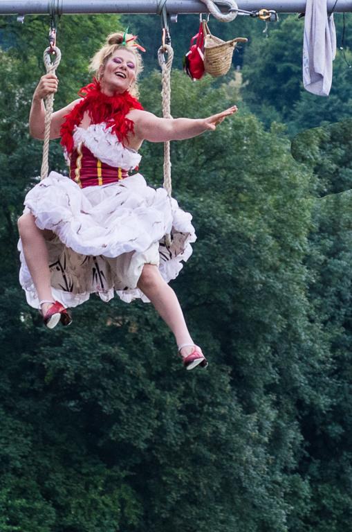 trapeze artist