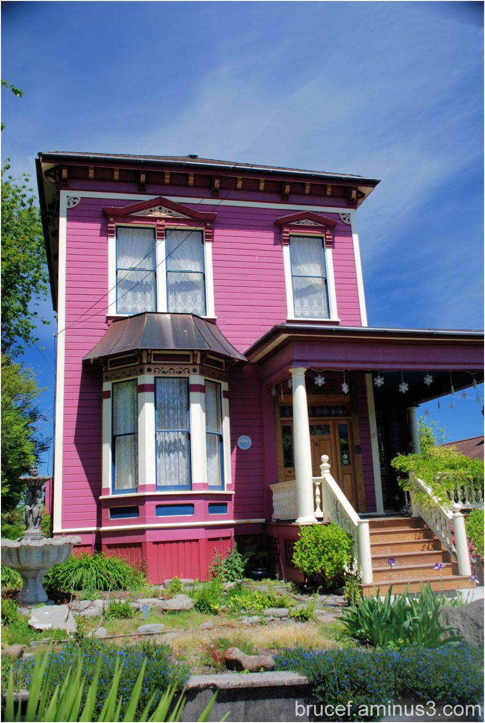 Historic Purple Home in Astoria Oregon 1 of 2