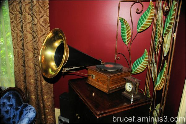 Antique Victor Phonograph