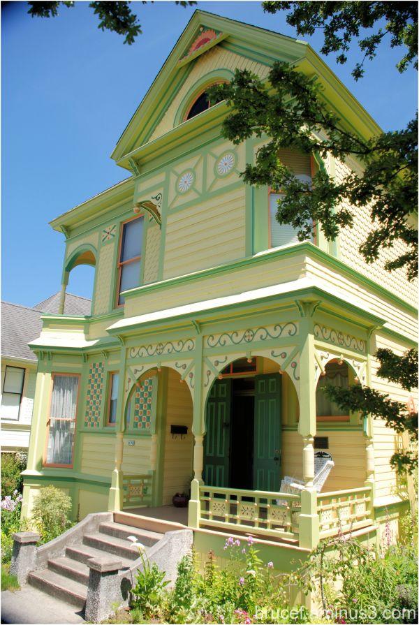 Astoria Oregon beautiful older home