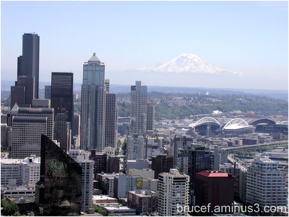 Mt Rainier - floats above Seattle