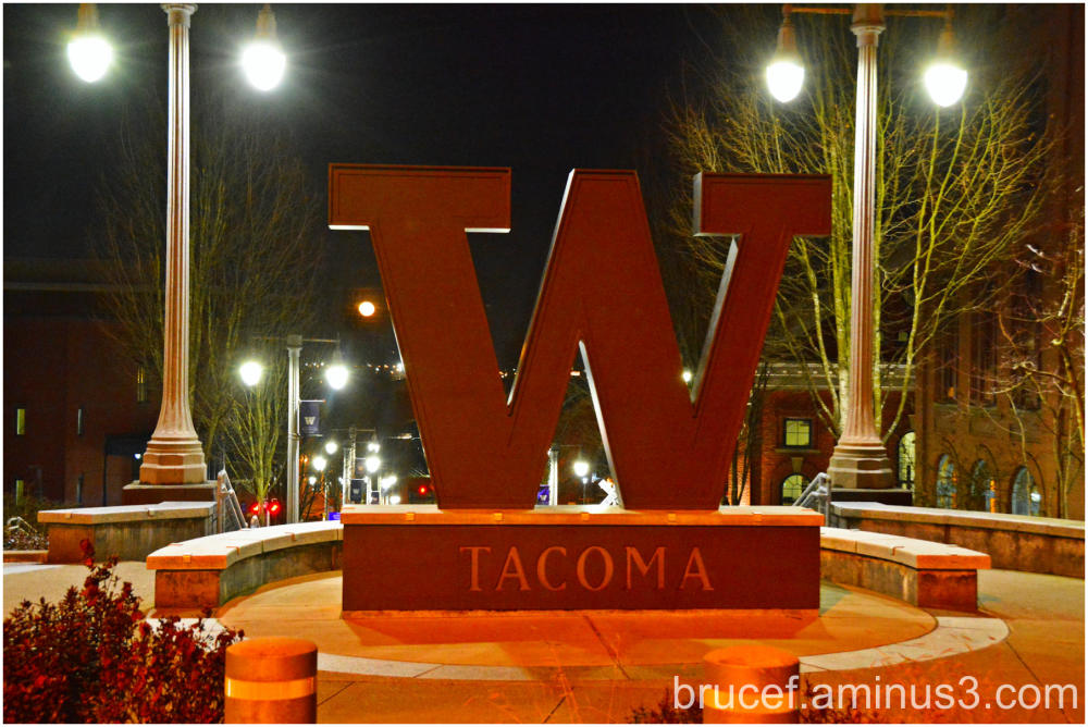 U of W Sign Tacoma WA