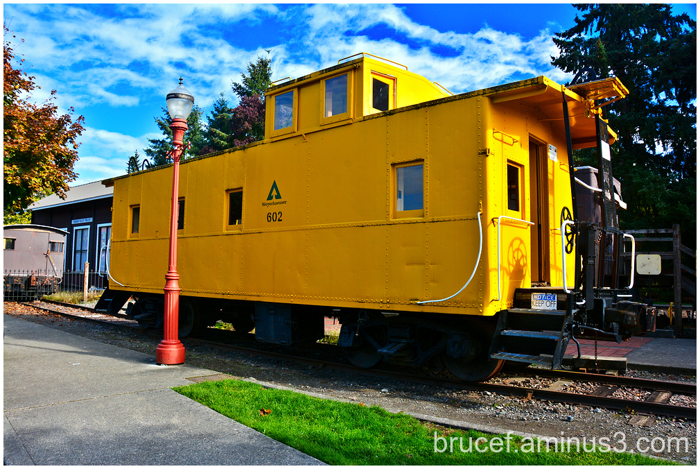 The little Yellow caboose