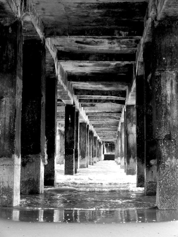 underneath the pier 2/2