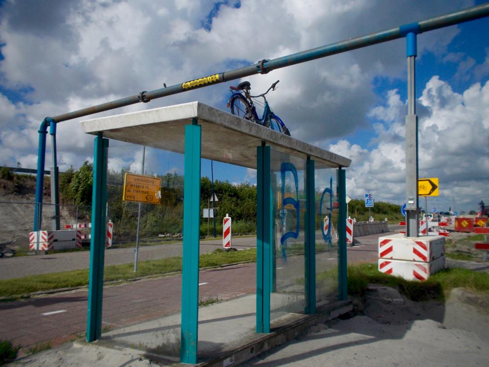 bushokje busstop bike fiets