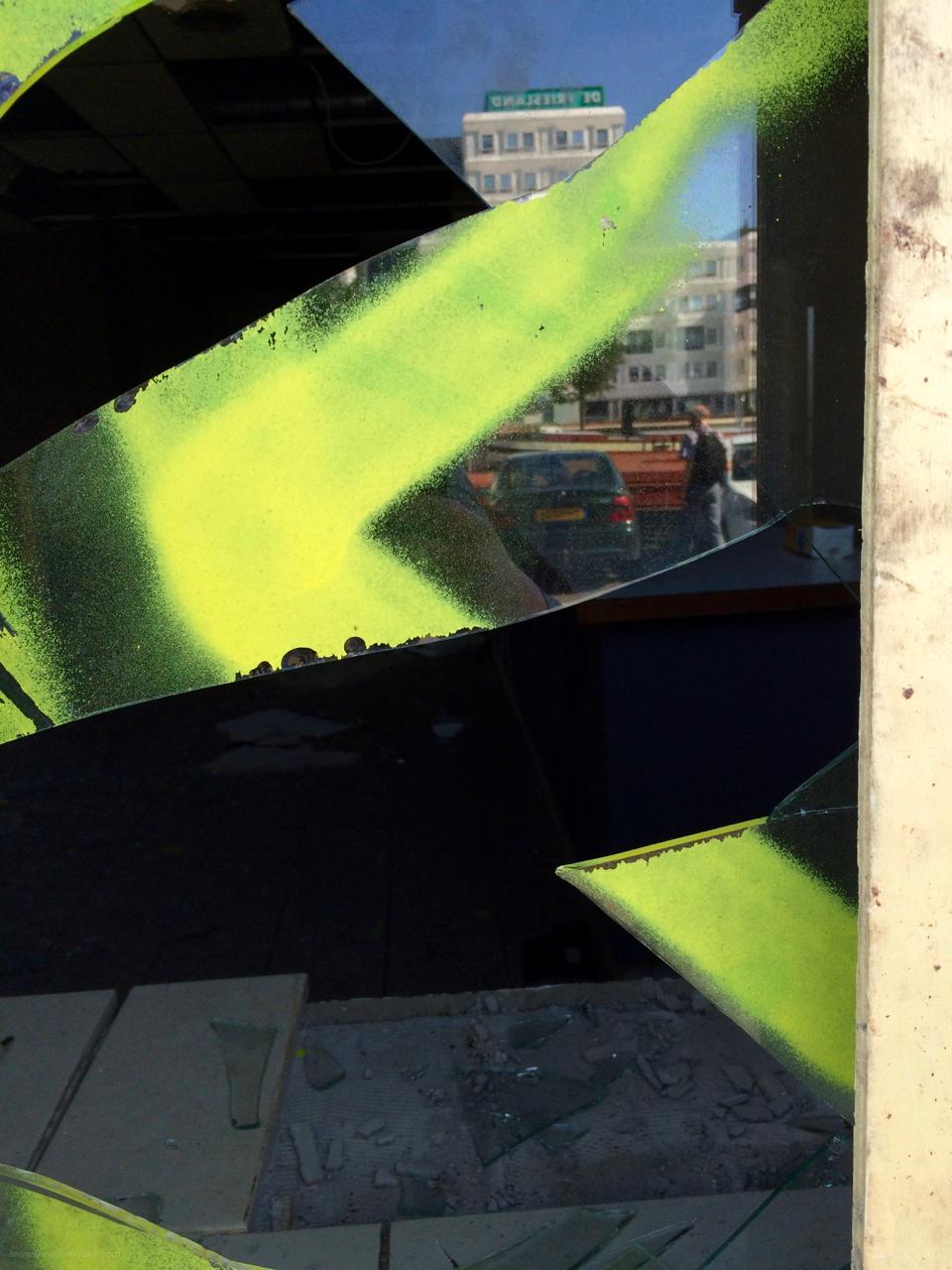 broken window kapot ruit