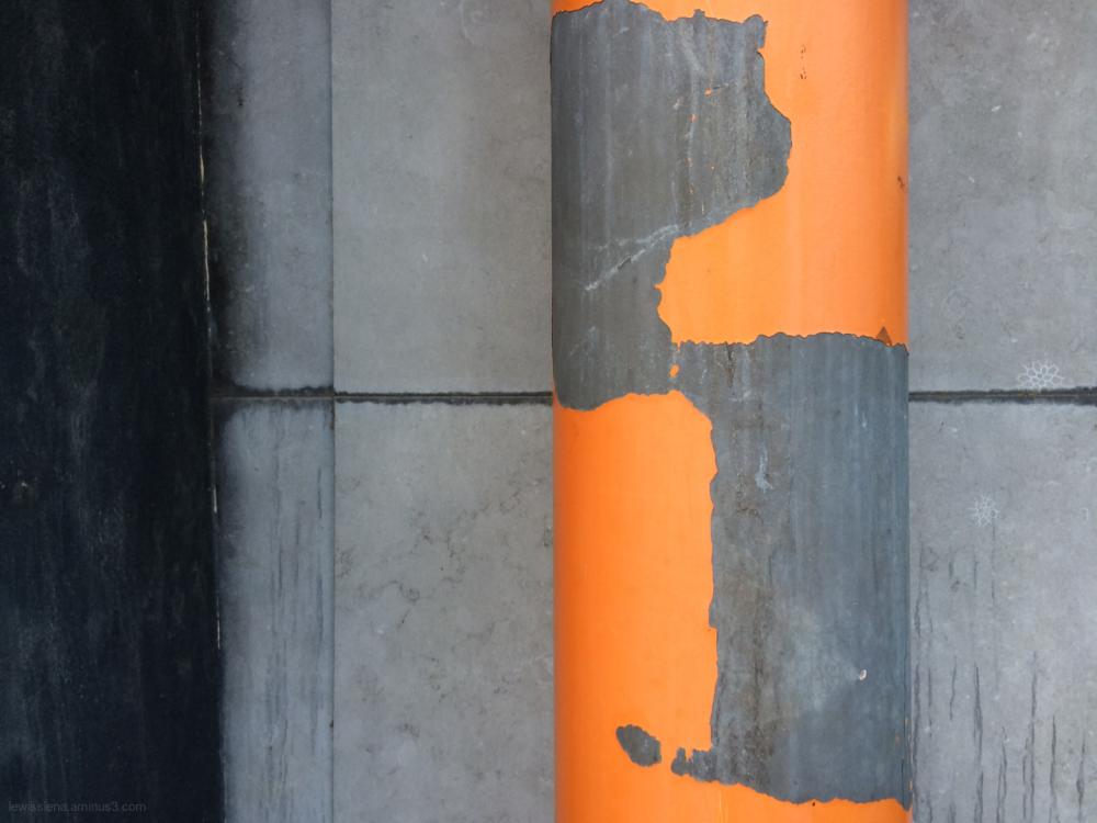 orange paint afbladderend oranje