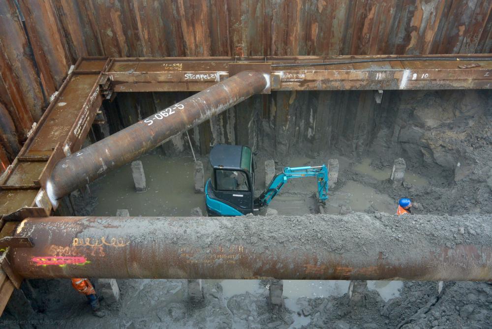 aquaduct bouwplaats weg en waterbouw