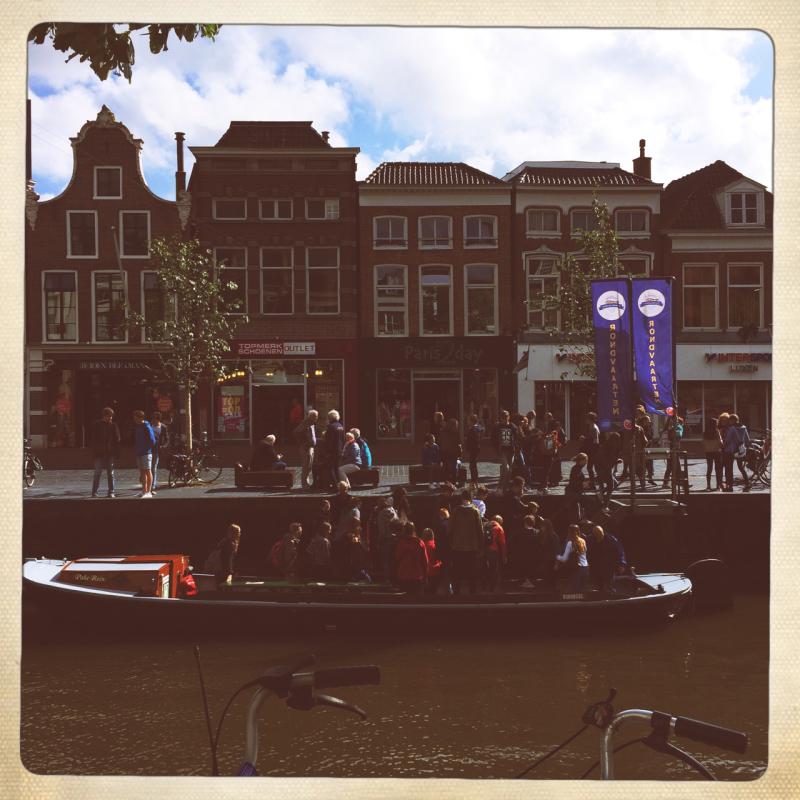 boot nicht boat canal leeuwarden school trip uitje