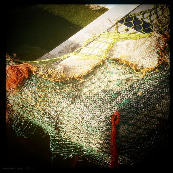 visnetten fishing nets boat bootje