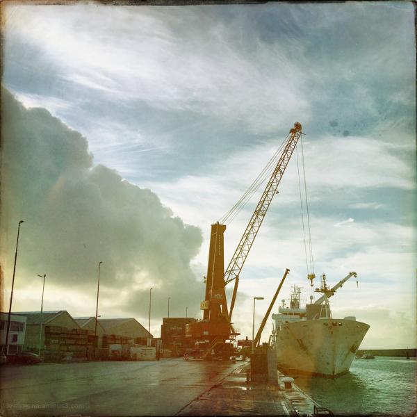 ship schip loading unloading laden lossen haven