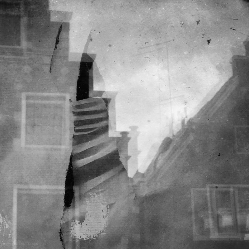 trapgevel raam window reflections rip scheur tear