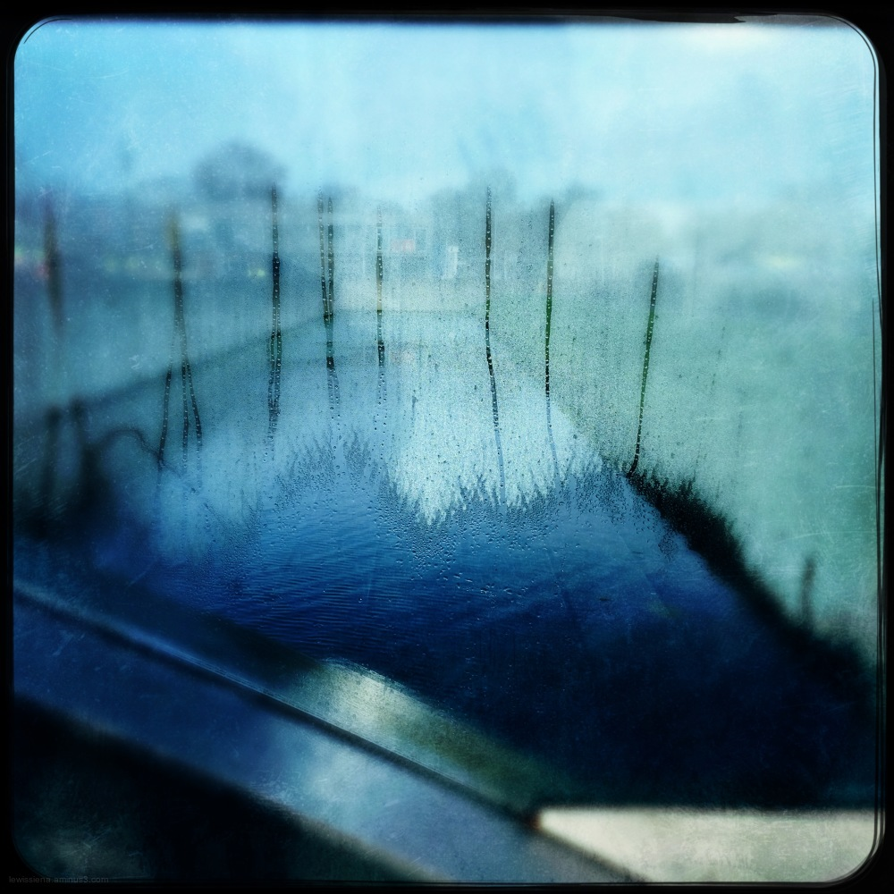 Damp glass brug bridge