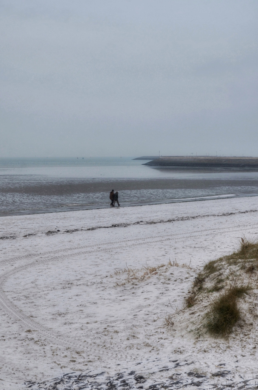 Strand harlingen beach snow