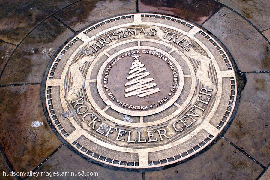 Christmas Tree Medallion
