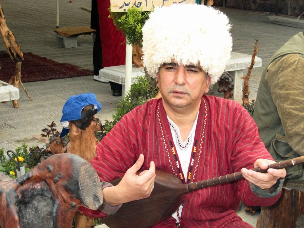 Turkman singer